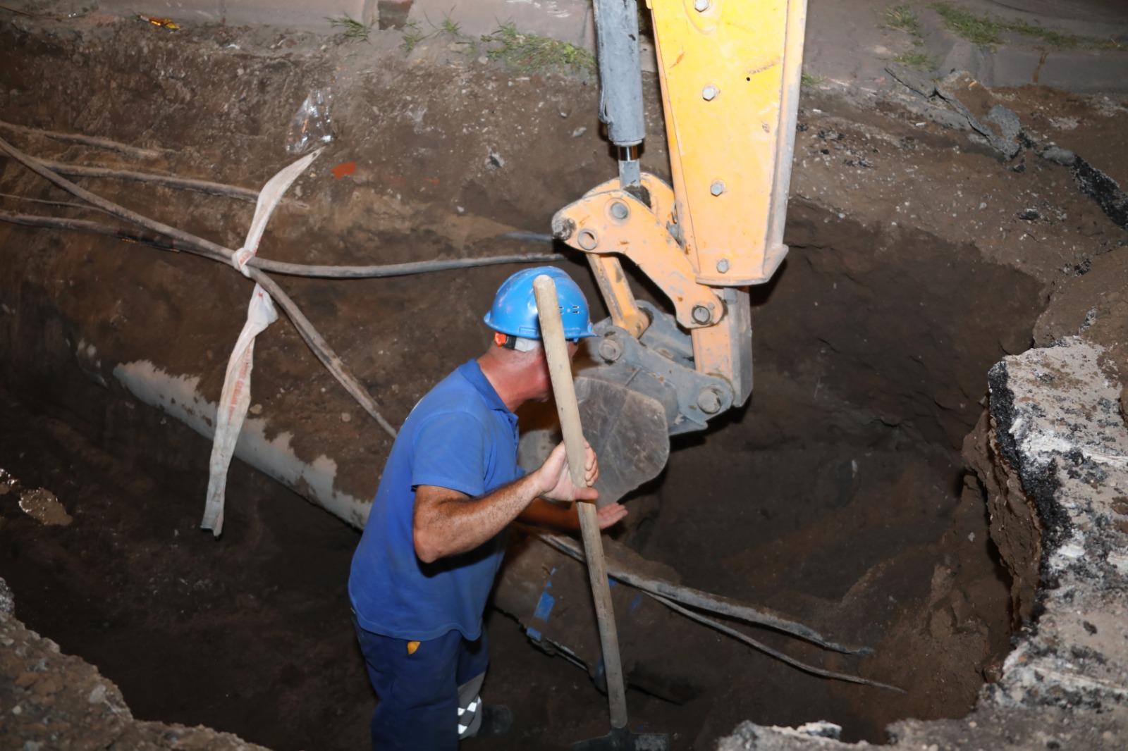 Altyapı ağımızı en yüksek standartlara çekmek için gece gündüz demeden çalışıyoruz...